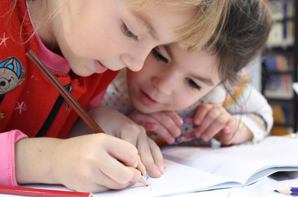 Má byť choré dieťa v škôlke? Čo na to hovorí zákon?