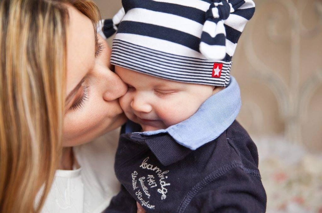 Pozornosť bábätku, ktorú mu venuje jeho mama alebo iný opatrovník má obrovský vplyv na jeho vývoj. Štúdia sledovala vplyv na oxytocínový systém v mozgu