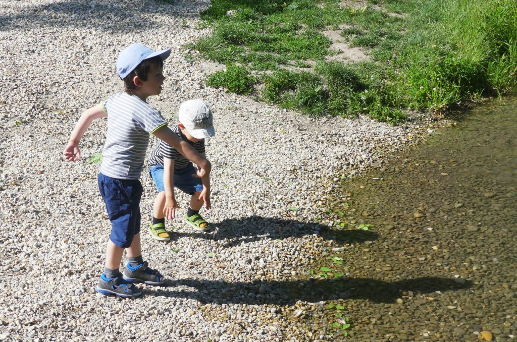 Nedostatok prírody je u detí čoraz častejší. Detstvo bez prírody môže viesť k fyzickým aj psychickým poruchám.