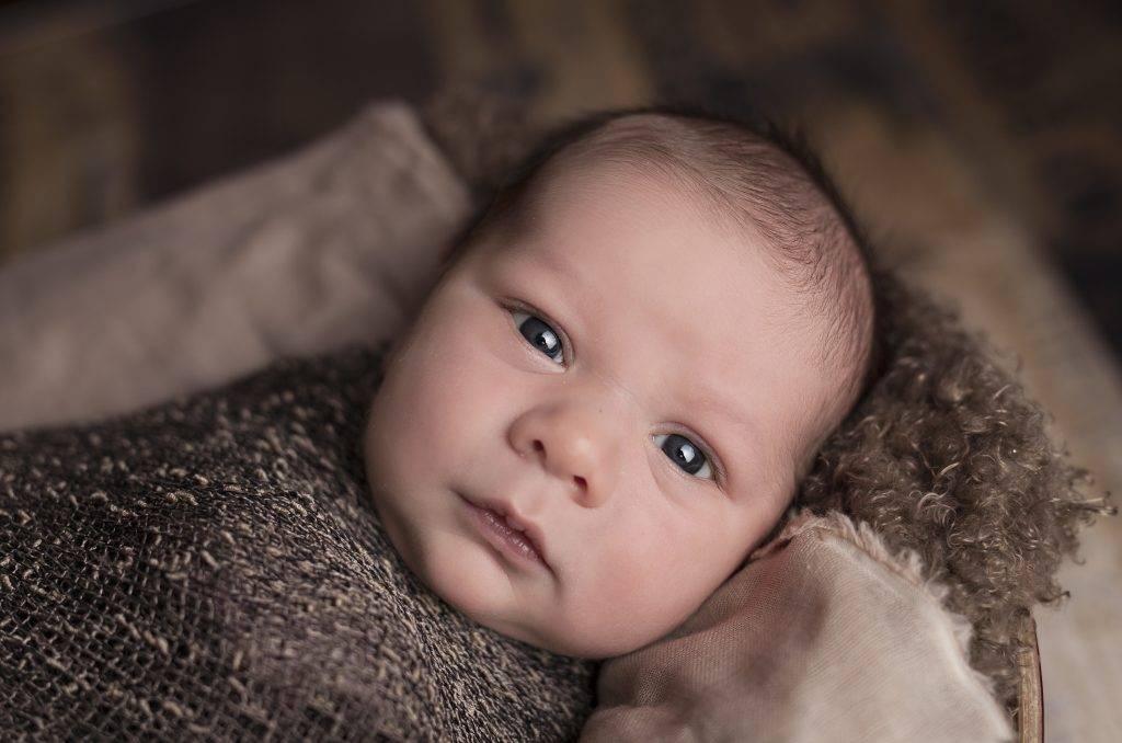 Novorodenecká žltačka môže pre dieťa predstavovať riziko. Čo môže mama urobiť, aby ochránila svoje bábätko?